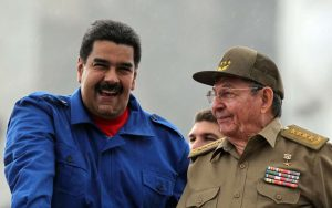 Menéndez Delata Hipocresía Republicana para Aprovechar Sufrimiento de la Comunidad Venezolana en Estados Unidos