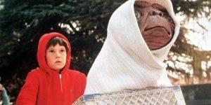Detienen por borracho a el niño de la película E.T.