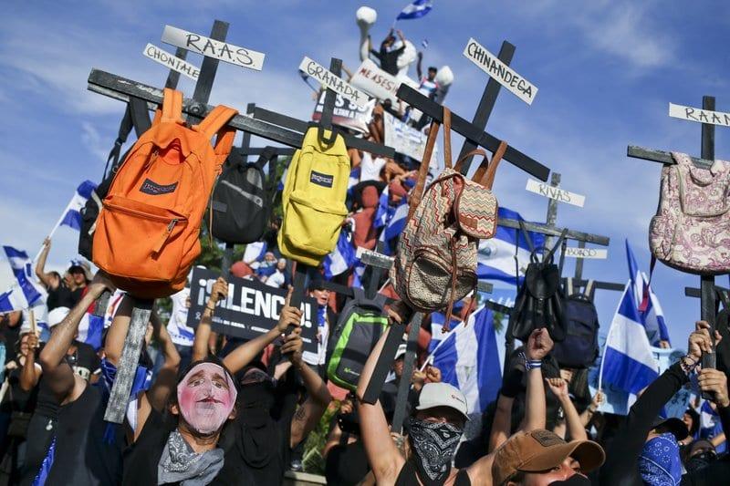 Crisis en Nicaragua ya deja 328 muertos y 88.000 exiliados