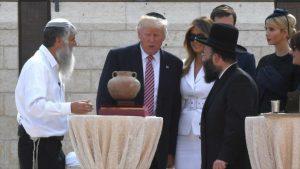 Donald Trump firmó un decreto que redefine al judaísmo
