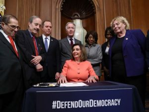 El Senado inicia el tercer juicio político de la historia de EEUU al recibir los cargos del 'impeachment' contra Trump