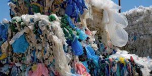 Ley que prohibiría el uso de bolsas de plástico es aprobada por el Senado