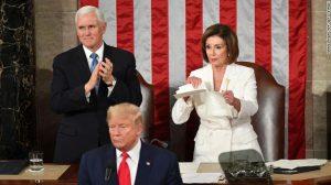 El presidente Donald Trump declara que Nancy Pelosi rompió la ley al romper su discurso