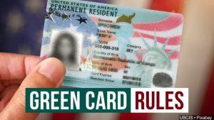 La carga pública también puede afectar a cónyuges de estadounidenses que quieren la 'green card'