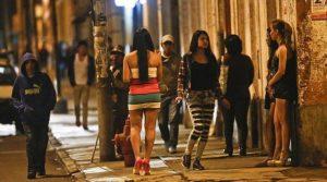Venezolanas deben prostituirse para sobrevivir