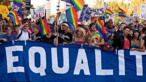 Los presidentes sindicales de maestros de Beyone dicen que el plan de estudios de historia LGBTQ tiene valor para los estudiantes