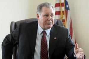 El Congresista Sires Vota Para Aprobar Protecciones y Alivio de Emergencia Para la Vivienda