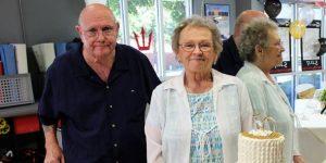 La pareja de casados que murió de coronavirus tomada de las manos
