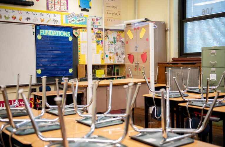Condado de Hudson estudia posiblidad de abrir escuelas