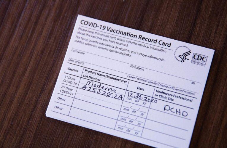 Estados Unidos creará pasaportes de vacunación contra el covid