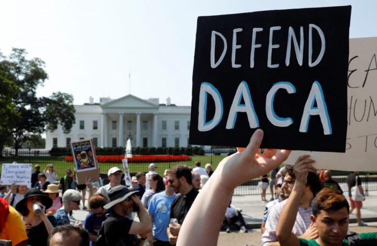 Fallo contra DACA aumenta presión al Congreso para que apruebe ley