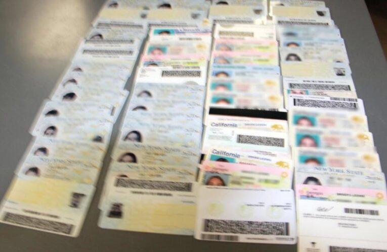 Robo de identidad registra máximo histórico y los migrantes siguen comprando papeles falsos