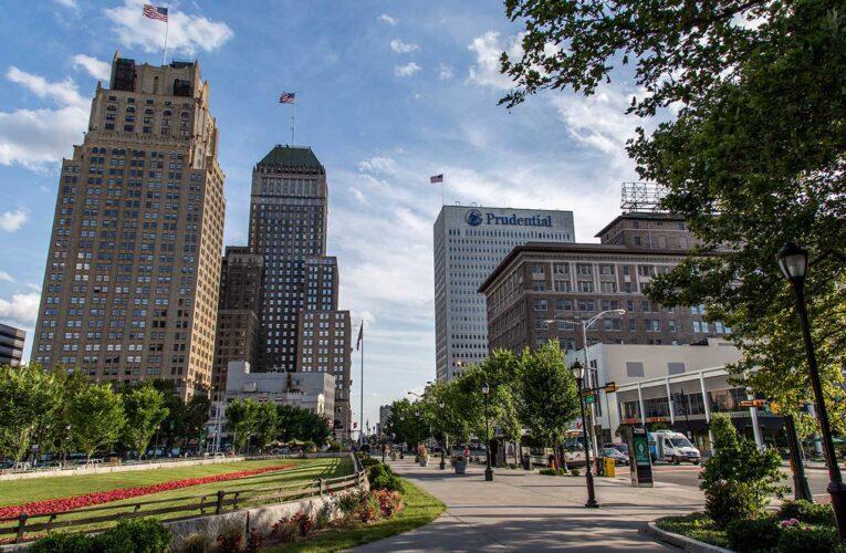 La ciudad de Newark, NJ ofrece hasta $12,000 durante dos años, ¿quién cumple los criterios?